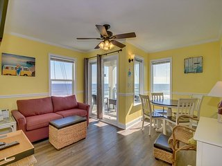 Newly renovated, 3rd floor, oceanfront condo + FREE DAILY ACTIVITIES