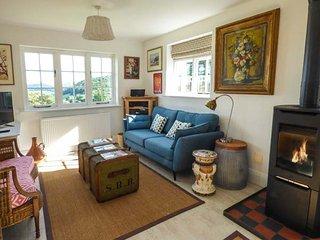 BRONWEN LODGE en-suite, woodburner, stunning views, WiFi, Conwy, Ref 938836
