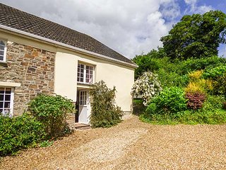 LOWER HEWTON FARM, romantic break, open plan living area, Okehampton, Ref 941039