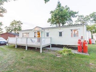 Ref 60057 (Plot 40).Carlton Meres Country Park 6 berth stunning caravan .