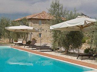 9 bedroom Villa in Castelnuovo Berardenga, Tuscany, Italy : ref 2266107