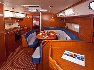 Sailing Yacht Santana