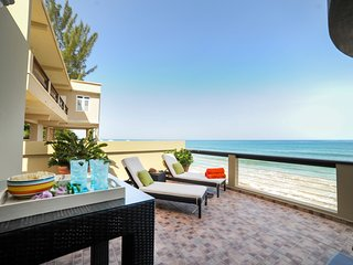 ★ Beachfront Dream ★ All New & Amenities Galore.