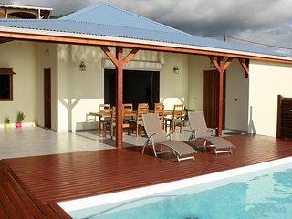 NOUVEAU : Belle villa avec piscine et vue mer, Bouillante