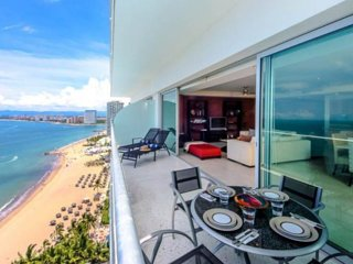 Gorgeous OCEAN FRONT Condo at PENINSULA, Puerto Vallarta