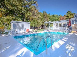 4BD, 3BA w/ bonus Rm, Kennebunkport House with Pool, Hot Tub and Movie Room