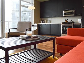Luxury Condo in Heart of Pearl! +Parking, Portland