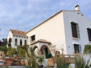 Country House with Spectacular  views to the Coast, Comares