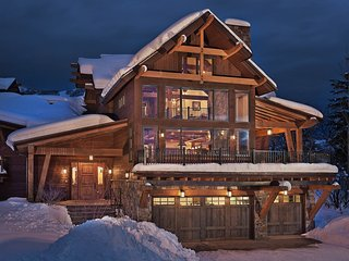 Sun Ridge Lodge - Exquisite 5BR Home + Private Hot Tub