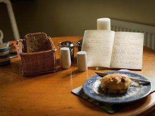 breakfast suggestion, breakfast table