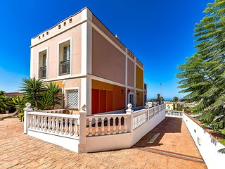 Vacation house in El Veril del Duque, La Caleta