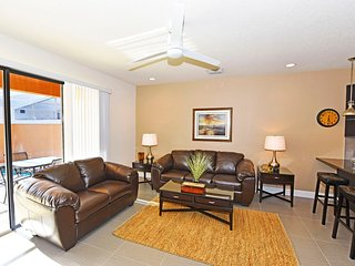 Chic, Affordable 3 BR 3 Bath resort townhouse w/ private splash pool from $90/nt