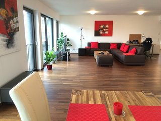 2-Bedroom Furnished Penthouse Stuttgart Downtown