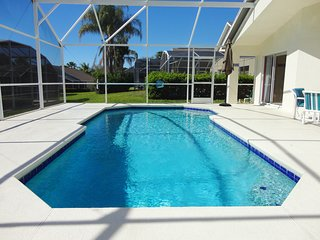 4 Bedroom Pool Home in Golf Community Near Disney