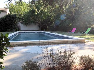St-Rémy-de-Provence, Landhouse 10p. private pool, 500m to all commodities