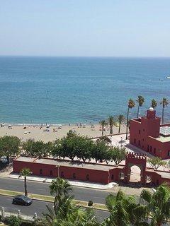 Playa de Santa Ana y castillo de Bil Bil