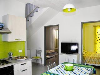 """Appartamento primo piano di """"Villa da Oscar """"a 100 mt dal mare, Ispica"""