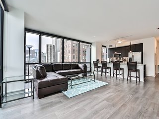 Furnished 2-Bedroom Apartment at N Michigan Ave & E Lake St Chicago, Addison