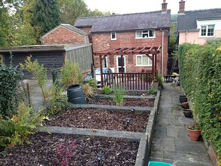 Welsh Cottage,, close to Town & Countryside WiFi, SkyTv, Sleeps 4 -5, Llandrindod Wells