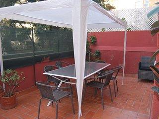 SAGRADA FAMILIA FLAT 3 ROOMS WITH PRIVATE TERRACE, Barcelona