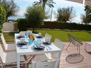 Apartament Sitges  La Mer. Front de Mer. Jardin privatif/Piscine commun. Design.