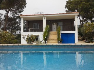 APARTMENT IN VILLA WITH PRIVATE POOL - VILLA OCASO, Lliria