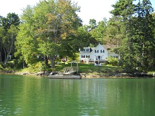 SOUTHPORT waterfront historic farmhouse w dock, Boothbay Harbor