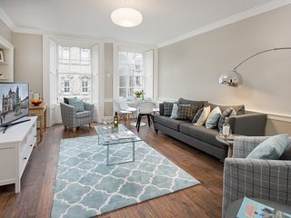 Newly renovated 3-bed flat – heart of the city