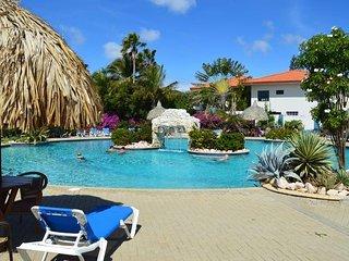 Nice Studio for 4 , with amazing pool !, Santa Catharina
