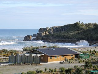 Beachside Takutai house Punakaiki