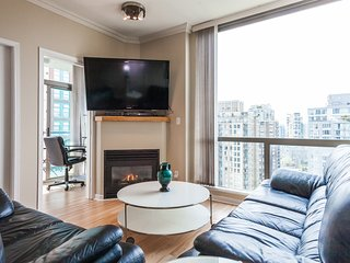 CITY VIEW 2BED 2BAD PARKING IN YALETOWN!