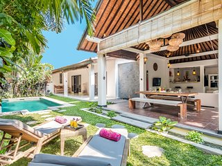 2 Bedroom Villa Close to BEACH, Seminyak