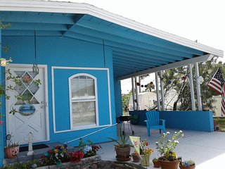 Blarney Beach Castle : cozy beach cottage