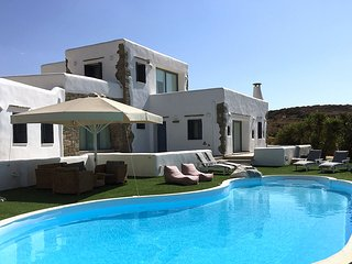 Villa Gusto with private pool-unique seaview, Parikia
