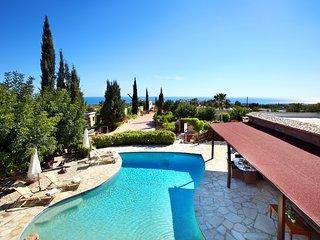 Villa Carob Shade, Peyia