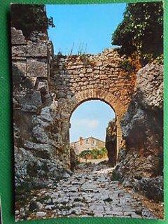 Saturnia, roman city gate and Via Clodia