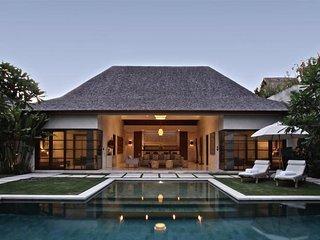 Boutique 4 Bedroom Luxury Villa Located in Eat St, Seminyak;