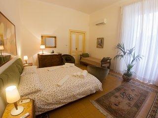 Casa Antonella : maison de charme a Napoli. B&B, casa vacanze, appartamenti., Naples