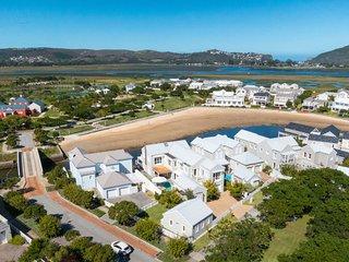 Beach House Q2