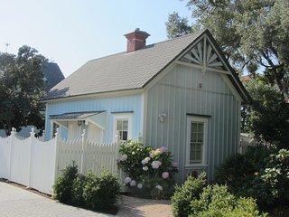 Walk To The Beach - Lovely Victorian 1 Bedroom Cottage, Santa Cruz