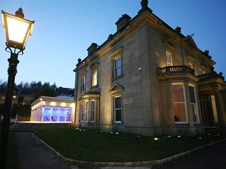 Stunning Mansion MANCHESTER - Indoor heated pool, 7 bedrooms, Bacup
