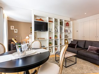 "Apartment a short walk away (324 m) from the ""Platja del Bogatell"" in Barcelona"