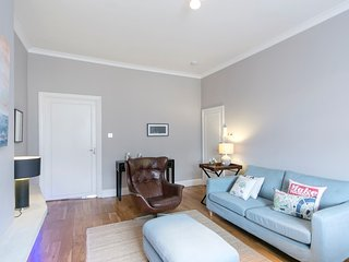 Apartment in London with Lift, Internet, Washing machine (338393)
