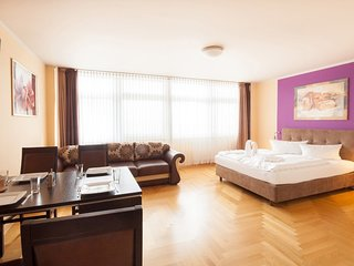 Apartment in Berlin with Lift, Parking (345983)