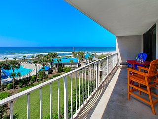 Dunes 2br beachfront, updated, free beach service; unique perks