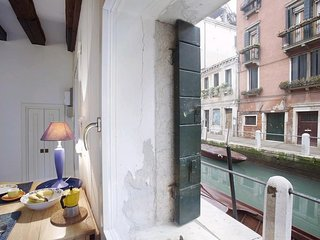 Cozy apartment very close to the centre of Venice with Internet