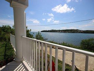 Appartement Blue Sky, vue mer, les pieds dans l'eau