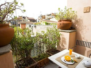 Spacious apartment very close to the centre of Rome with Internet, Washing machi