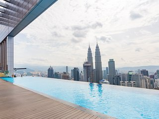 Luxury Family Suites with Best Swimming Pool View in KLCC