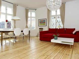 Apartment 1.4 km from the center of Berlin with Lift, Terrace, Washing machine